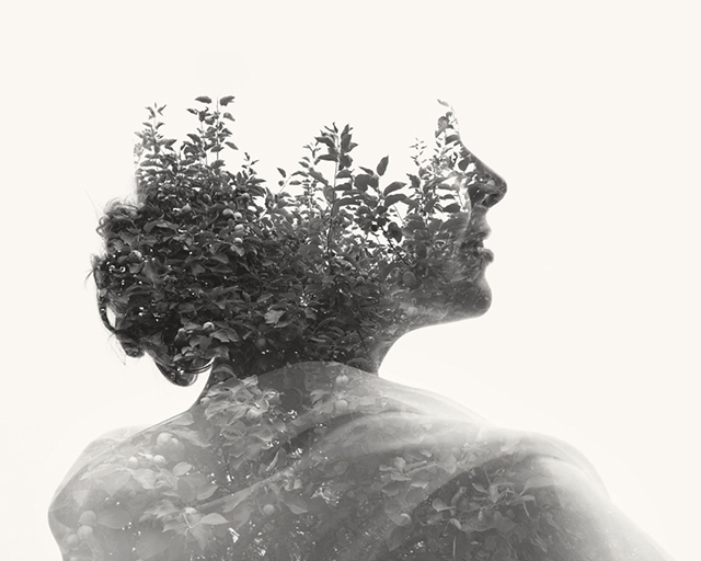 Überlagerung von Frau und Baum