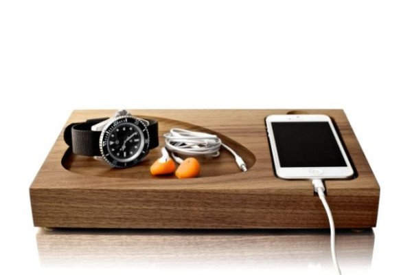Tinsel-Timber-iPhone-Docking-Station_001