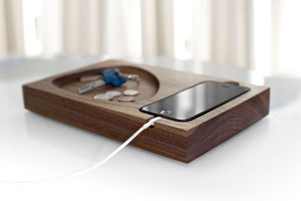 Tinsel-Timber-iPhone-Docking-Station_003