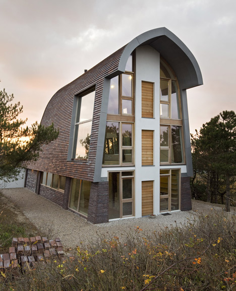 dezeen_The-Dune-House-by-Min2_1