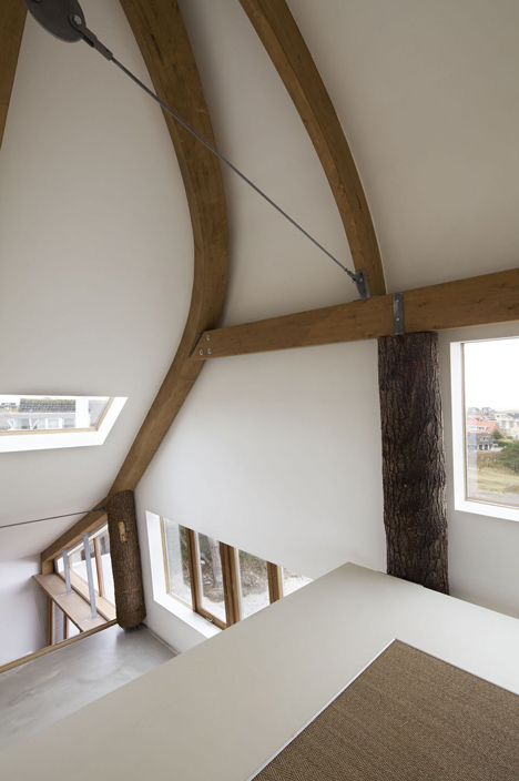 dezeen_The-Dune-House-by-Min2_4