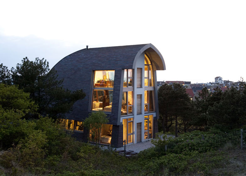 dezeen_The-Dune-House-by-Min2_ss_2