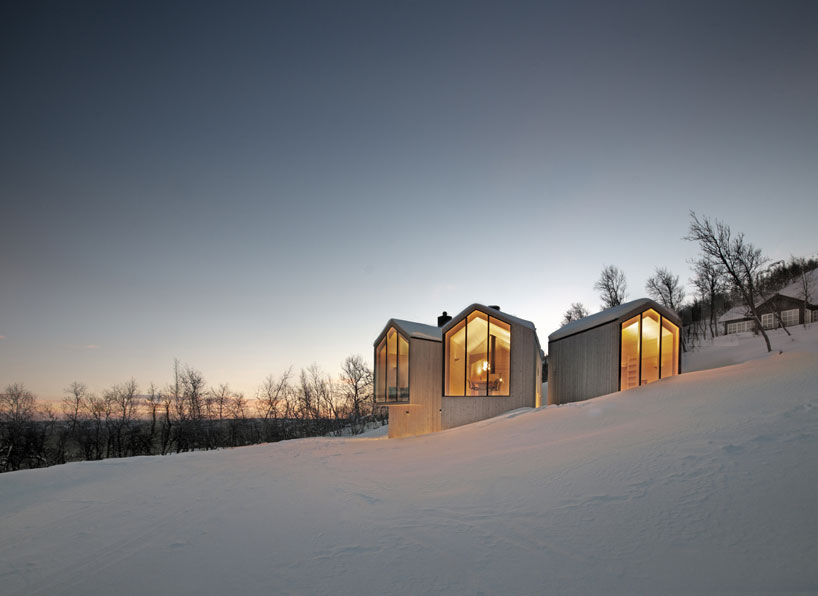 reiulf-ramstad-split-view-mountain-lodge-designboom-03