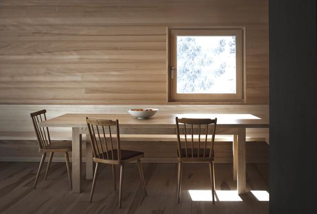 Haus-Fontanella_Bernardo-Bader-Architekten_Essbereich_08